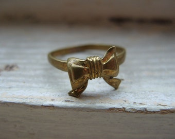 FREE SHIPPING Vintage Brass Bow Ring Size 7