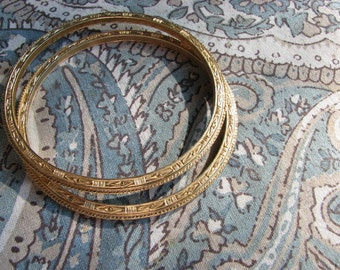 Vintage Golden Trifari Bangles Bracelet Set Ornate Detailed Deco