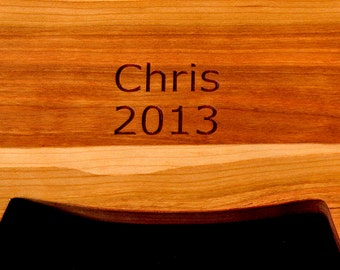 DATE Personalize your cutting board with a Date