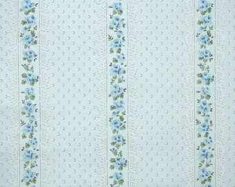 1940's Vintage Wallpaper - Floral Wallpaper Stripe with Tiny Blue Roses and Lace