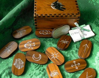 Witchy Moonglow   Witches 13  Red Cedar Rune Boxed Set