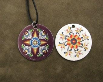 Rosemaled Necklace