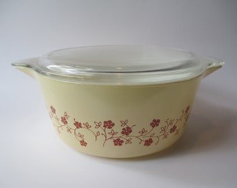 Vintage Pyrex Trailing Flowers 2.5 Liter Baking Dish with Lid