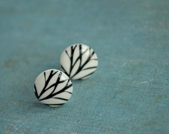 Trisk-  earstuds with image of branches with sterling silver stud