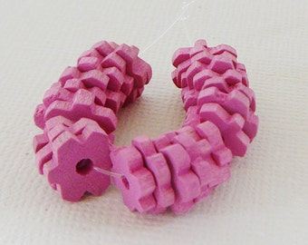 Vintage .. 10mm Wood Beads, Flower Spacer, Bubble Gum Pink