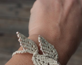Hemp Macrame Falling Leaves Bracelet with Glass Accents - Natural Eco Friendly