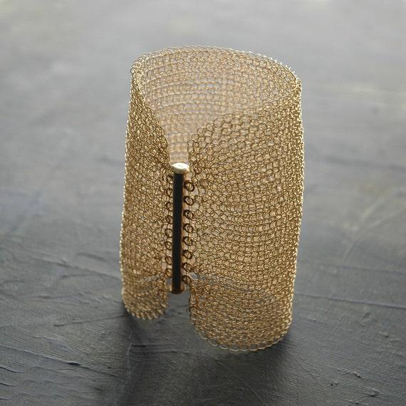 Cleopatra CUFF bracelet , wire crochet gold filled  - 3.15 inch long , wire knit