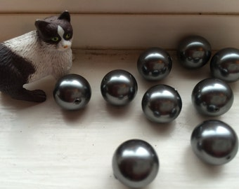 4 Swarovski Crystal Pearl Beads, Grey, 12mm round.