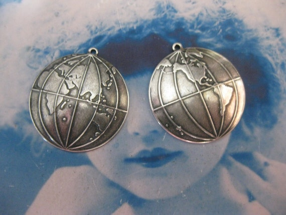 Antique Silver Ox Plated  World  Globe Map Charms 551SOX x2