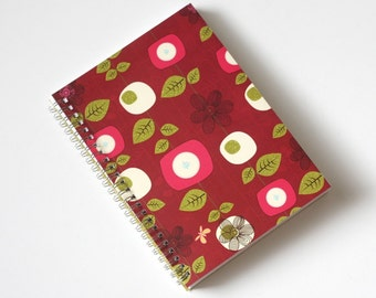 Large Coupon Organizer with 14 Pockets - Pre Printed Labels Included - Red with Flowers