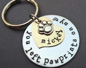 Personalized Pet Memorial Keychain -Paw prints on my heart - Dog Cat Remembrace Keychain - Pet Memorial - P10