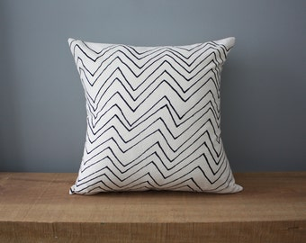 "18"" Organic Cotton Pillow - CHEVRON - housewares"