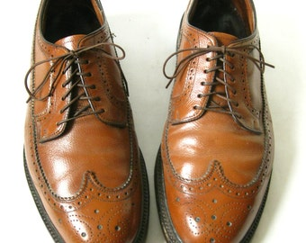 Vintage 60s Brown Leather Lace Up WING TIPS. Size 11 1/2
