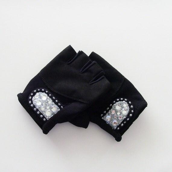 Vegan Fitness Gloves: Silver Bling Strength Training Gloves / Ladies M / By