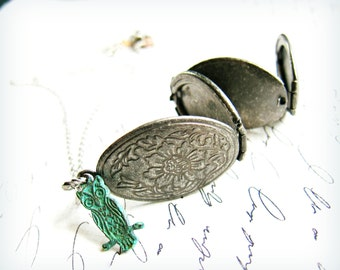 Antiqued silver fold out accordion owl locket necklace  (holds 4 pictures) verdigris patina