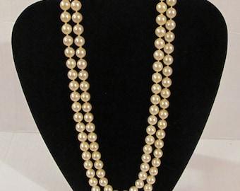Imitation Pearls Vintage Necklace