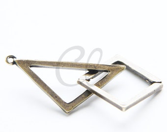 2pcs Antique Brass Plated Base Metal Pendant - Square - Triangle 64x35mm (1363C-U-162)