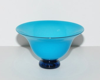 Donald Carlson Turquoise Blue Art Glass Pedestal Bowl, circa 1991