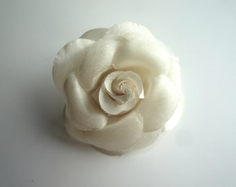 SMALL ROSE , Ivory   / 01
