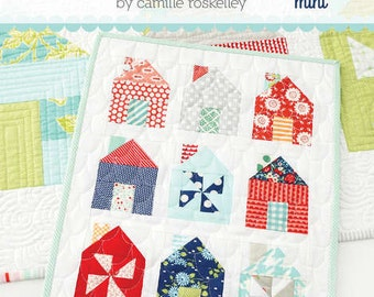 PATTERN mini HOUSE quilt wall hanging Dwell