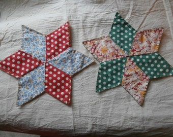 2 VINTAGE STAR QUILT  Pieces Doilys  Place Mats Table Top Decor Candlemats