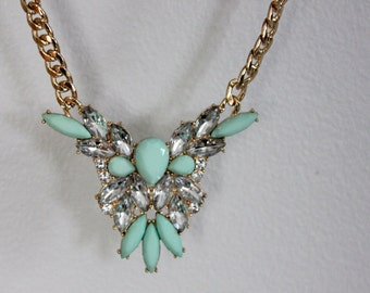 Mint jewelry, Trendy necklace, mint pendant, light, rainstones jewellry, chain gold, chain jewelry, pendant and chain, silver stones.