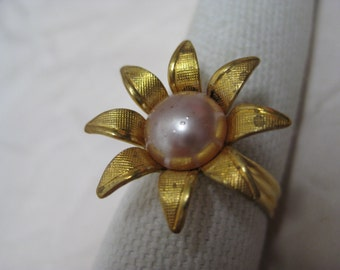 Flower Pearl Daisy Gold Ring Vintage Adjustable