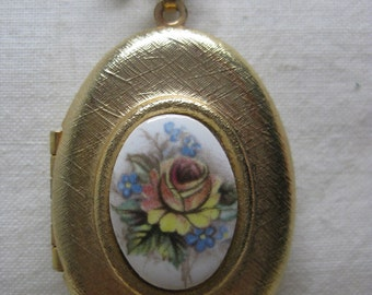 Rose Flower Locket Necklace Pink Yellow Blue White Gold Vintage Pendant Glass