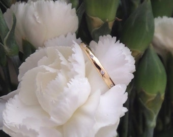 Scattered Diamond Wedding Band in18k Yellow Gold, Made to Order
