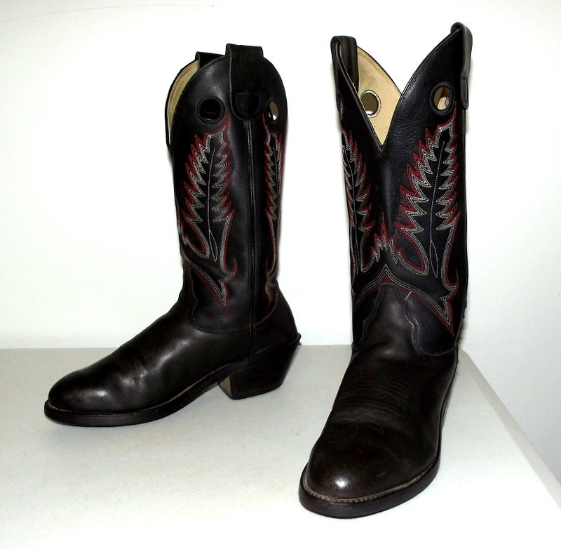 black leather cowboy boots size 8 m or by honeyblossomstudio