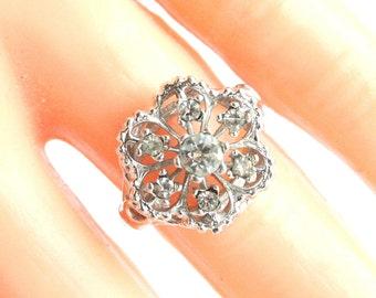Vintage 18k White Gold Ring Filigree 18K HGE Rhinestone Cocktail Ring Open Work Filigree Size 5