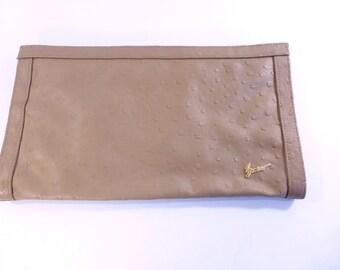 Vintage Bueno Faux Brown Ostrich Skin Zippered Ladies Clutch Envelope Purse