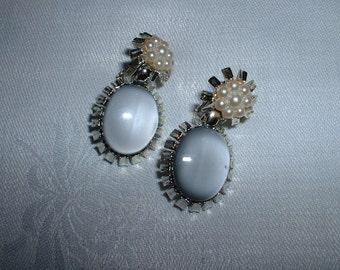 Vintage Emmons Gray Moonglow Clip on Earrings