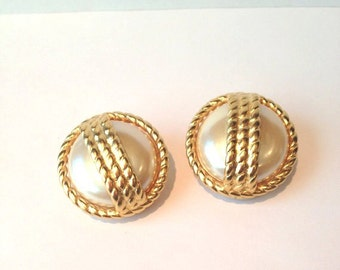 Huge vintage 80s /90s designer pearl and gold rope clip earrings // high fashion