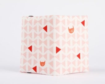 Fabric card holder - Cats cradle in raspberry / Lizzy House / Catnap / Geometric triangle / pink peach coral red / kitties faces / Valentine