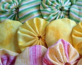 Appliqué fabric Yoyo, green pink yellow firework colors, 25 yoyo flower pieces, scrapbook quilt doll clothing embellishment appliqué