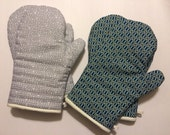 2 Sets of Men's Oven Mitts