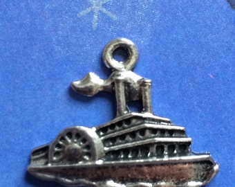Pewter Paddle Wheel Steam Boat charm