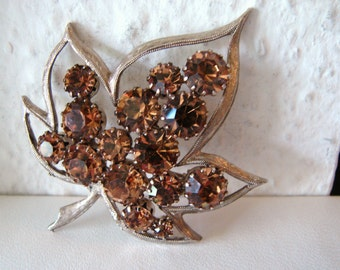 Vintage silver leaf brooch with amber brown rhinestone accents (I3)