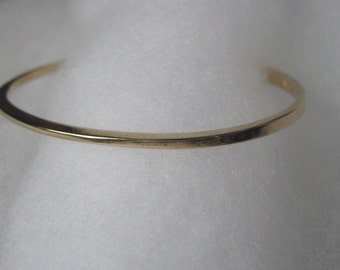 Delicate vintage Avon gold tone bracelet