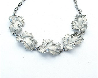 Vintage Jewelry Romantic White Grape Vine Leaf Pendant Necklace Sarah Coventry Bridal Jewelry Any Occasion Vintage Accessory