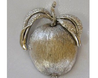 1960s Sarah Coventry Adams Delight Silver Tone Apple fruit Vintage Pin Brooch