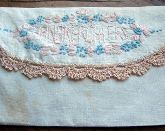 Vintage Linen  Embroidered Hanky/Handkerchief Keeper Bag Purse Lace Edging