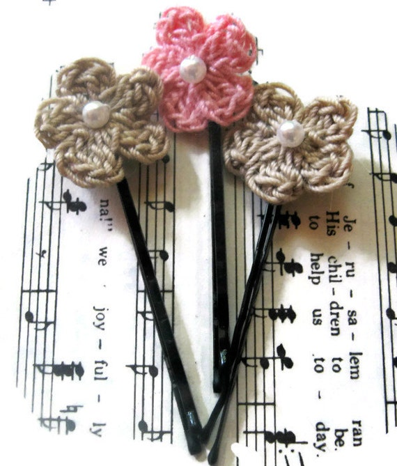 Crochet Hair Using Bobby Pin : similar to Crochet Fairy Flowers, Flower Bobby pins, Wedding Crochet ...