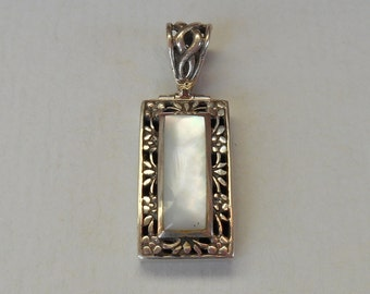 Balinese Sterling Silver Mother of Pearl Pendant / silver 925 & Nacre / Bali handmade jewelry