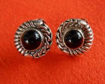 Elegant Black Onyx Sterling Silver stud Earrings / Bali handmade jewelry / silver 925 /