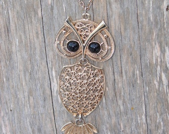 Vintage 1970s Owl Pendant - Necklace with Chain