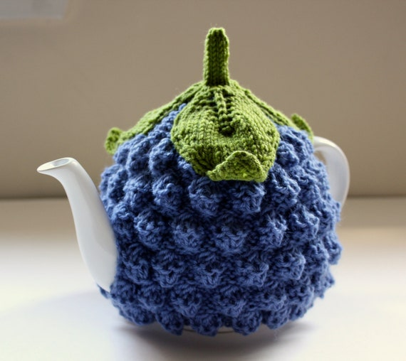 Blueberry - Hand knitted Tea Cosy in Pure Merino Wool - Size MEDIUM - Ready to ship