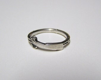 Silver SHOT GUN, Attractive little ring wraps around your finger, Sterling Silver .925