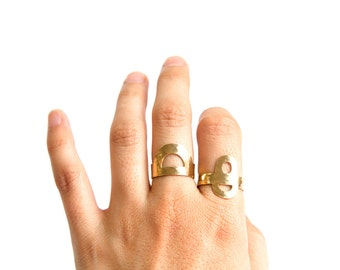Estrella ring - adjustable brass textured